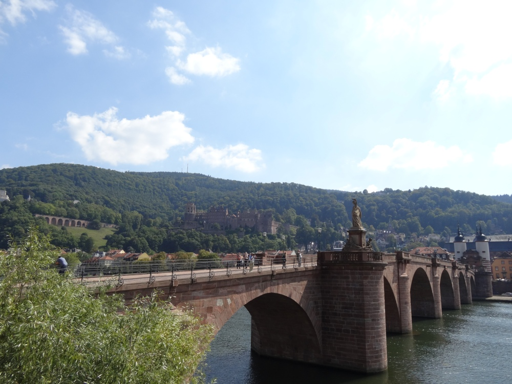 The old bridge and the castle