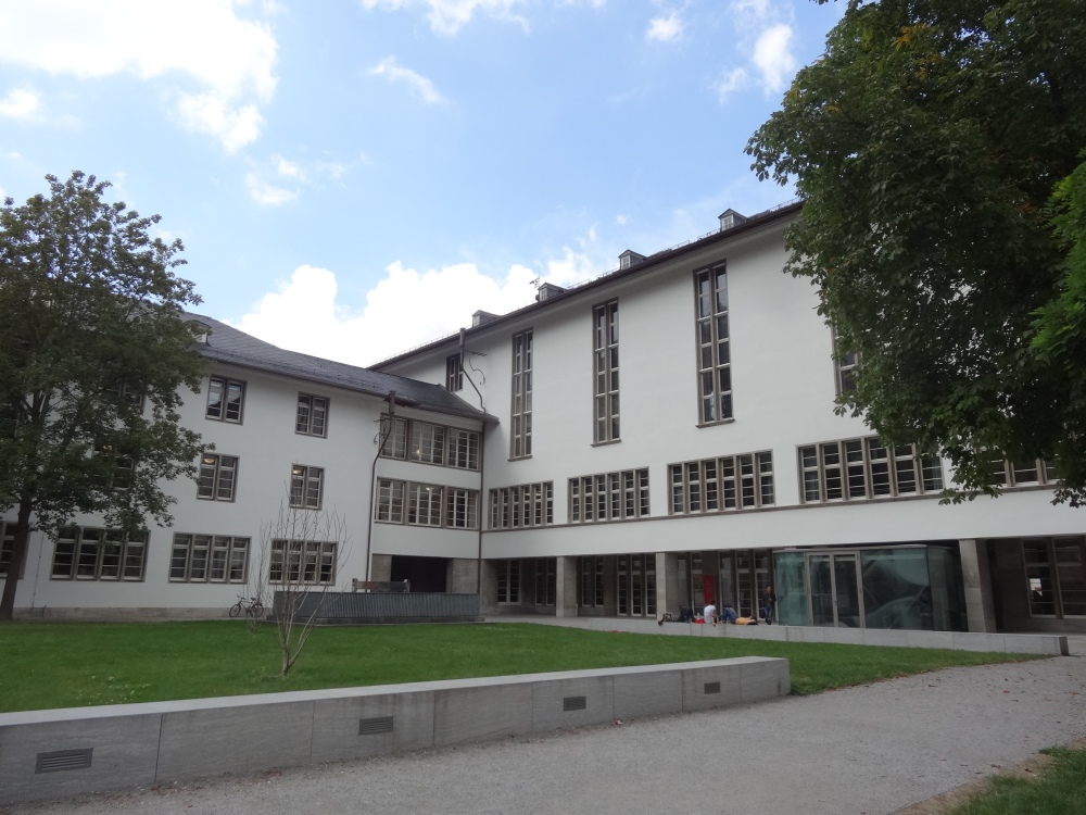 I have a few lectures at the Neue Universität on Uni-Platz