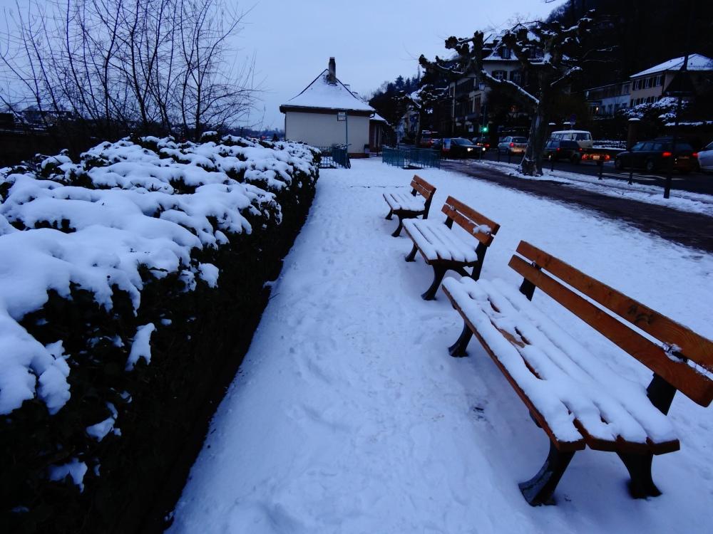 Random benches