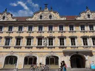 Stadtbücherei Würzburg (The Falkenhaus)