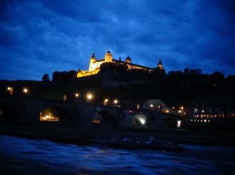 Festung Marienberg (Marienberg Fortress) and the Alter Mainbrücke (Old Main Bridge) in the evening